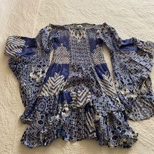 Dresses & Skirts - Blue flowy dress! 💙